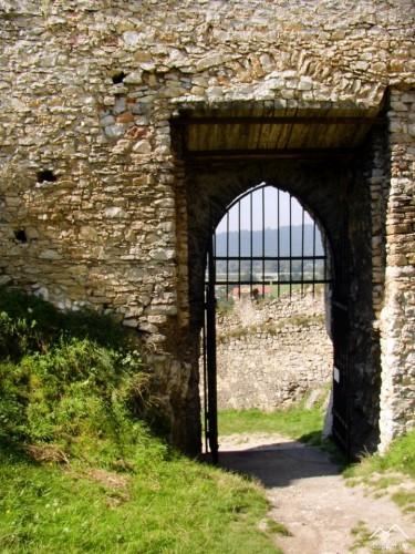 Beckov - 1.brána