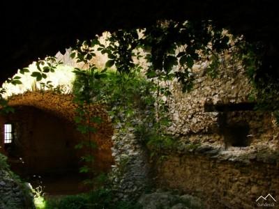 Beckov - pivnice pod palácmi