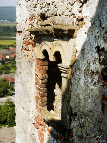 Beckov - renesančné okno