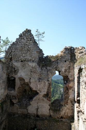 Hradný palác