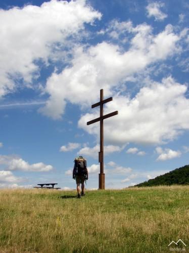 Pamätný dvojkríž k výročiu obci Voznica