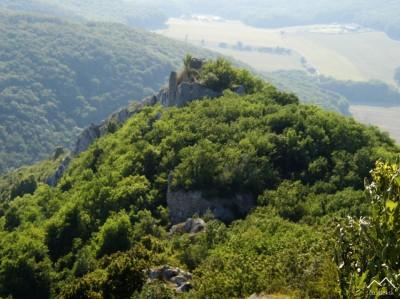 Hrad Ostrý Kameň (z hrebeňa Zárub)