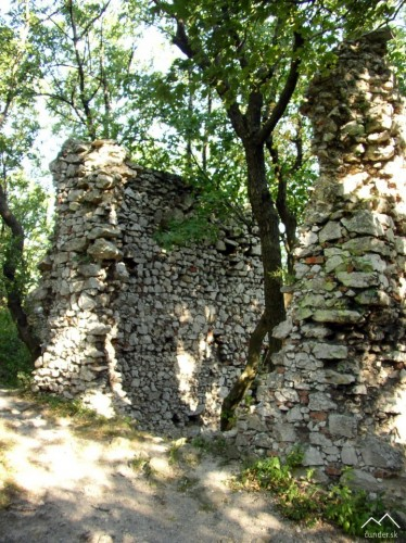 Hrad Ostrý Kameň